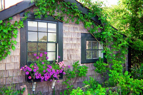 A cottage in Nantucket. With an ocean nearby and an outdoor shower. Ah-h-h.